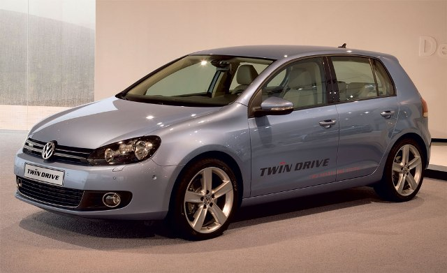 Volkswagen-Golf-Twin-DRIVE