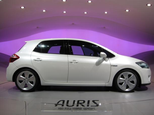 Toyota Auris 1.8 Hybrid Executive 136 hp