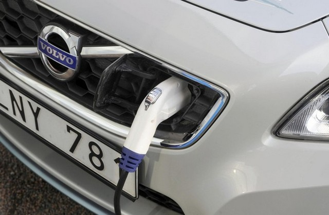 Краш-тест Volvo C30 Electric