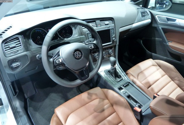 Volkswagen e-Golf 3